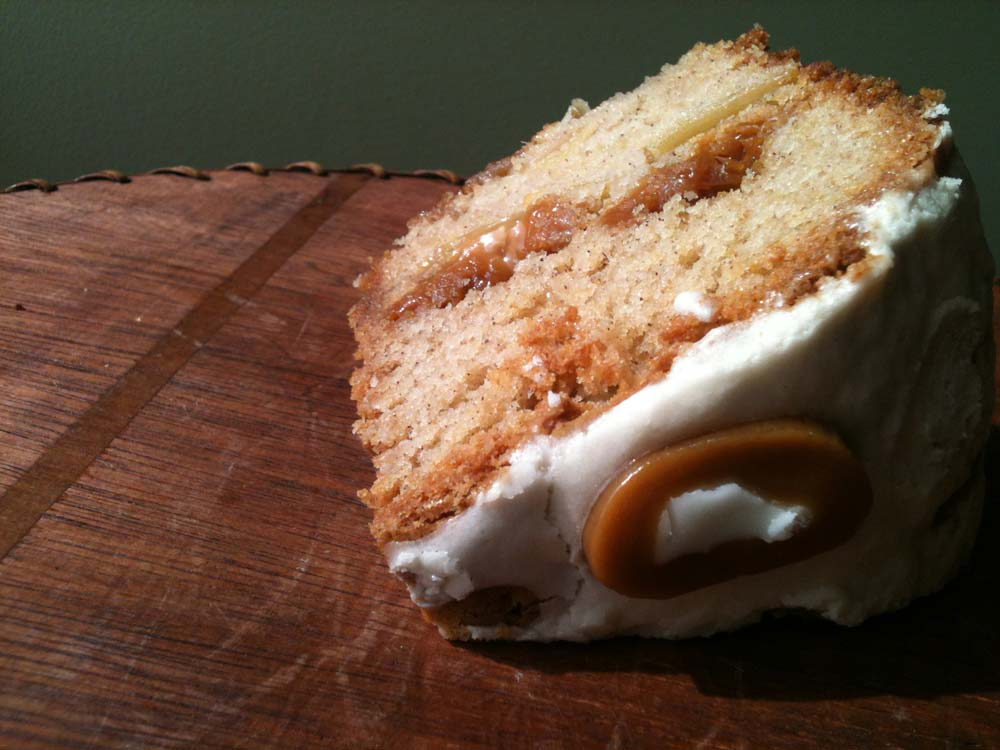 Love this Caramel Apple Cake! It's the perfect autumn cake recipe.