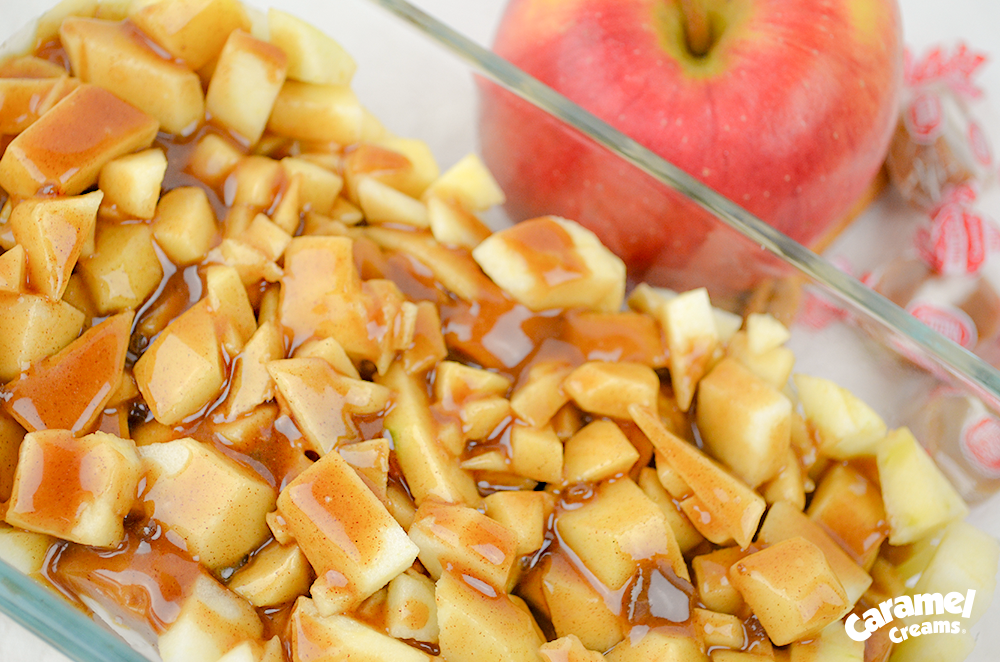 The BEST homemade caramel apple crisp recipe!