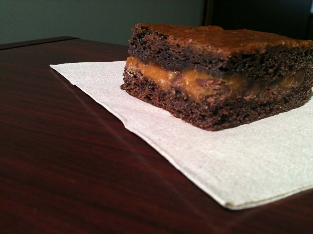 easy-cake-mix-caramel-brownies